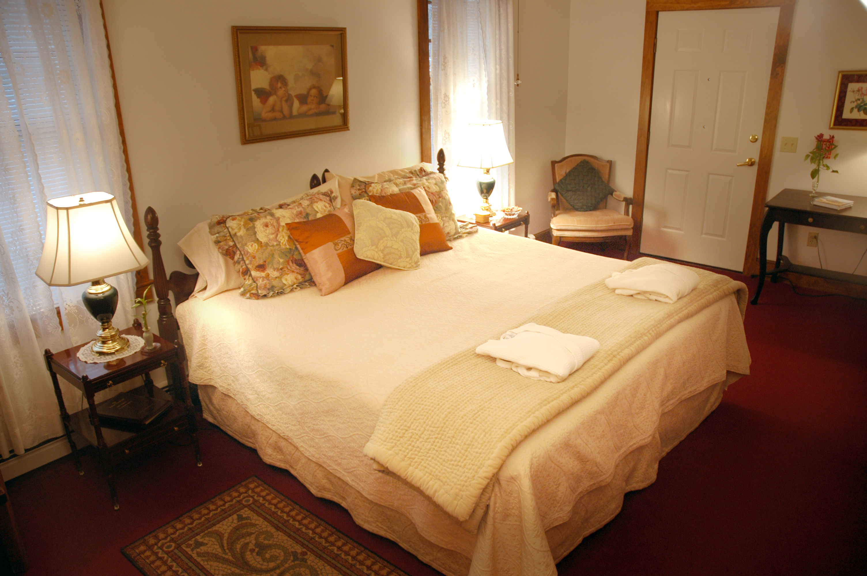 Cape Cod Bed Room D, ADA King bed