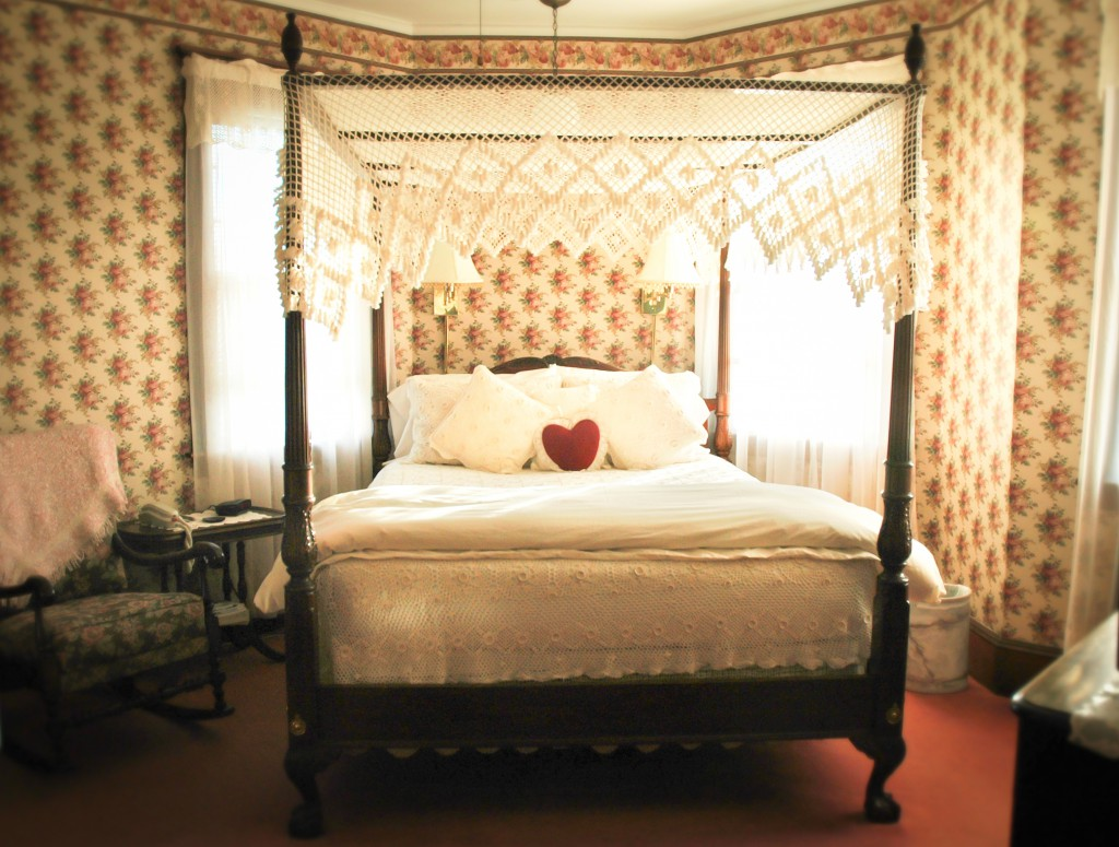Cape Cod Bed and Breakfast romantic bedroom 2