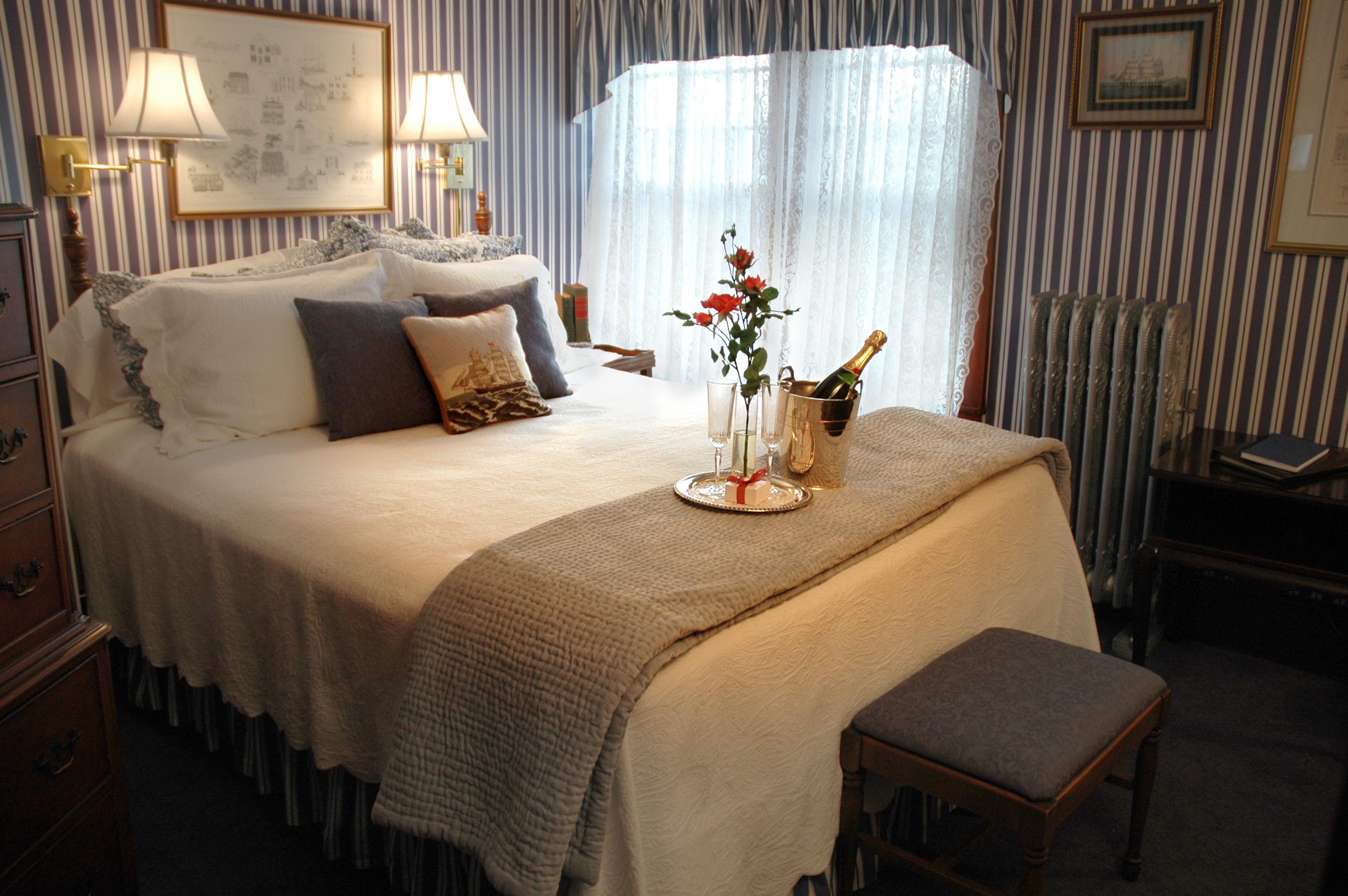 Cape Cod Accommodation Room 7