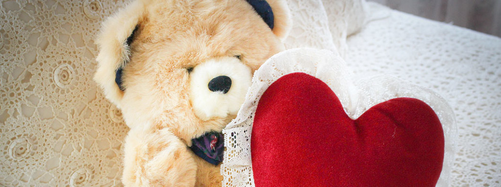 Cape Valentine Getaway bear and heart pillow
