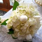 White bridal bouquet at B&B