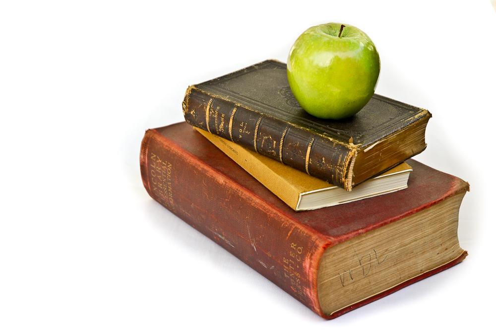 Cape Getaway: Teacher's apple and book