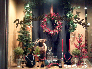 Falmouth Jewelry Shop Holiday Decor
