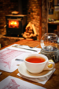 Cape Cod Restaurant Review Quarterdeck: Tea by a warm stove