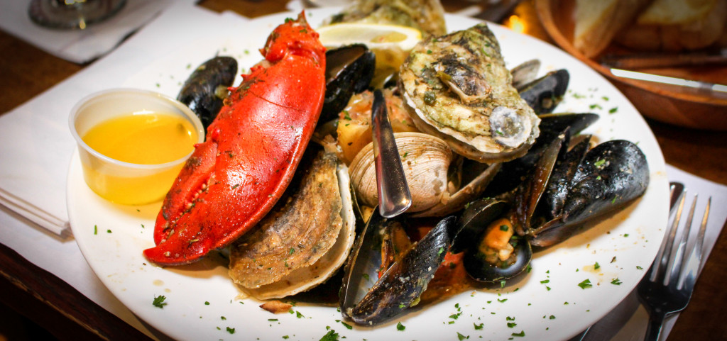 Top 10 Sights in Falmouth: Cape Cod Restaurant Review Quarterdeck: Seafood Pot