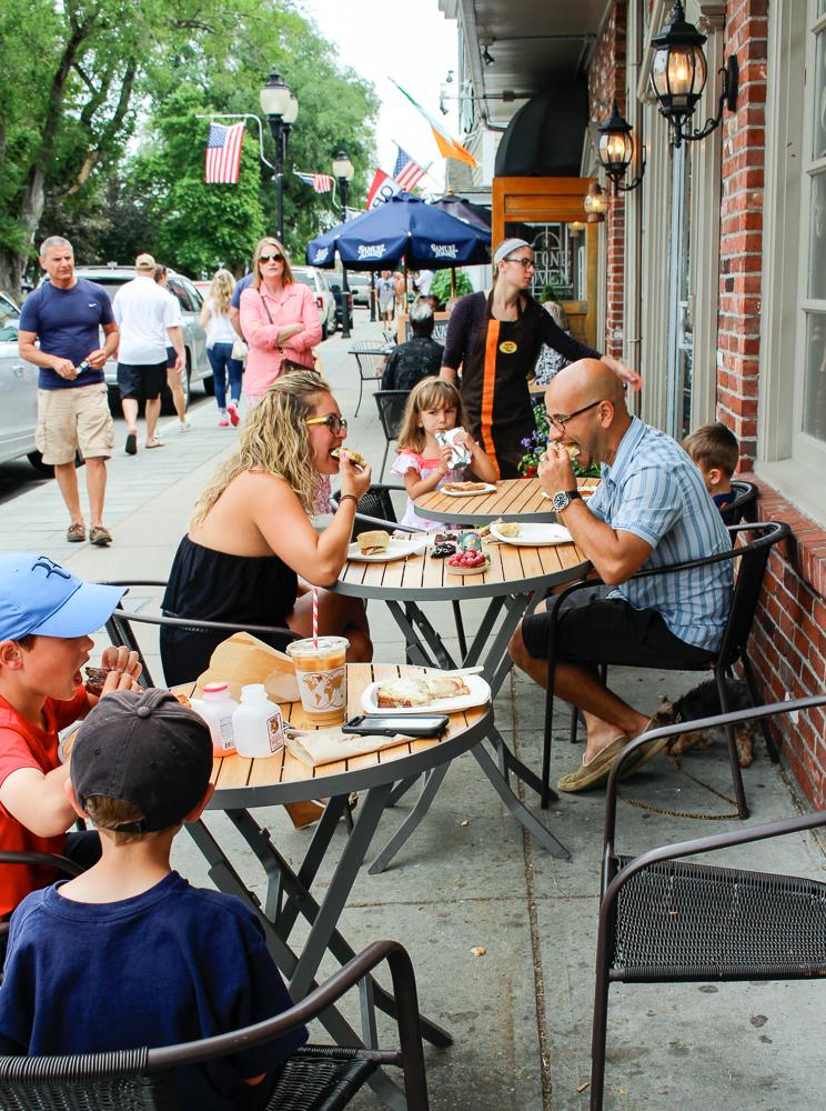 Maison Villatte Sidewalk Cafe