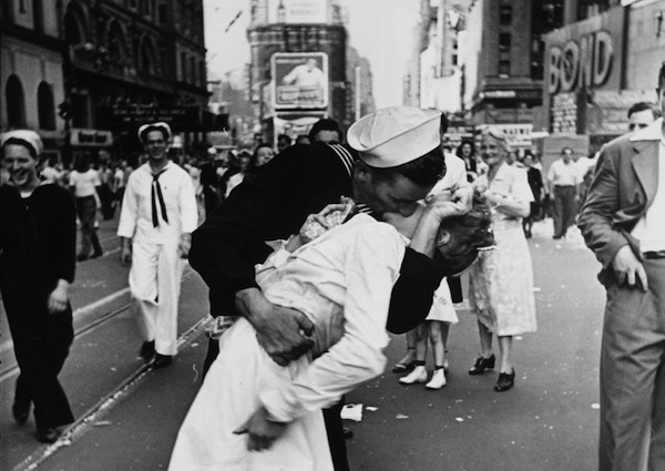 """The Kissing Sailor"" by Alfred Eisenstaedt 70th Anniversary V-J Day Celebration"