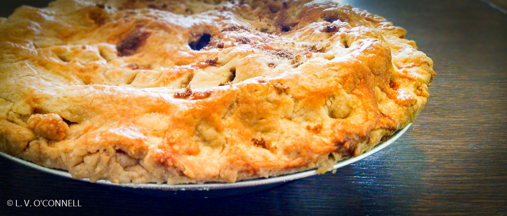 Perfect pie crust on an apple pie.