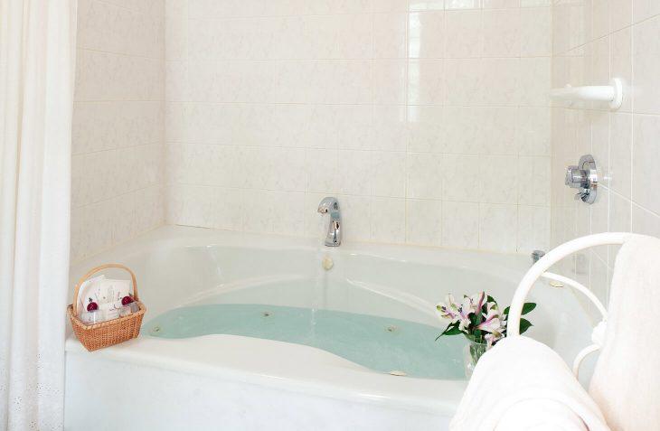 Room 5 - Emily Dickinson Room whirlpool bath at our Cape Cod B&B