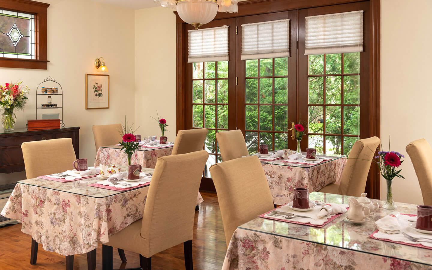 Dining room at Palmer House Inn