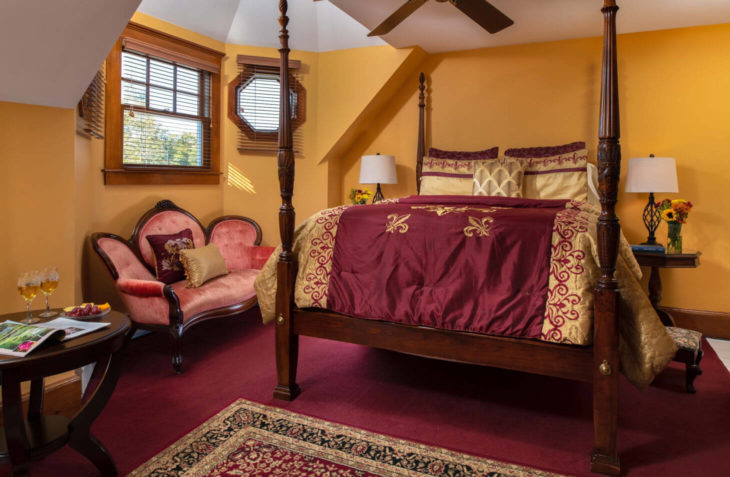 Excellent Cape Cod lodging - Room 9 the Oliver Wendell Holmes Room