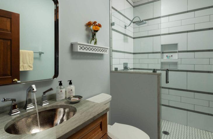 Room C - Samuel Langhorne Clemens bathroom at the best B&B in Cape Cod MA
