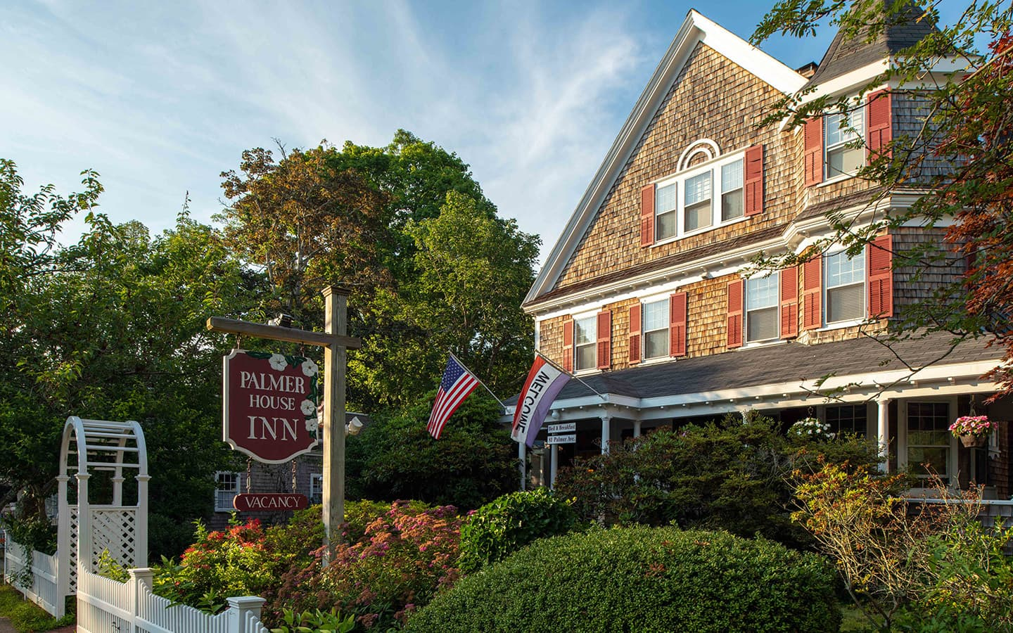 Exterior view of Palmer House Inn