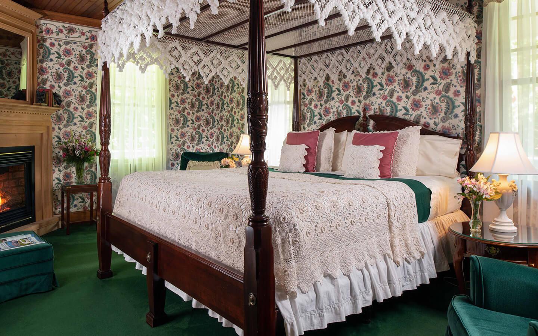 Room B - Theodore Roosevelt Room bed